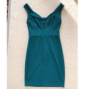 Dresses & Skirts - 🌸 Keyhole Bustier Off Shoulder Dress
